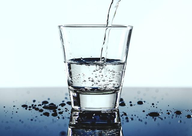 Ajioki - Une eau pure - Zéro déchets - Stop aux bouteilles d'eau en plastique